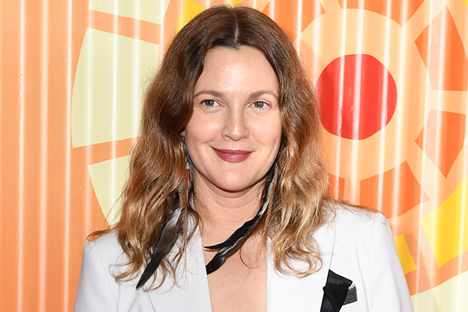 An In-Flight Look at Drew Barrymore's Makeup Bag Is the Sunday-Night Instagram Post We Never Knew We Needed featured image