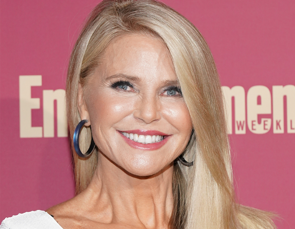 5 Things Christie Brinkley Does to Look This Great at 66 featured image