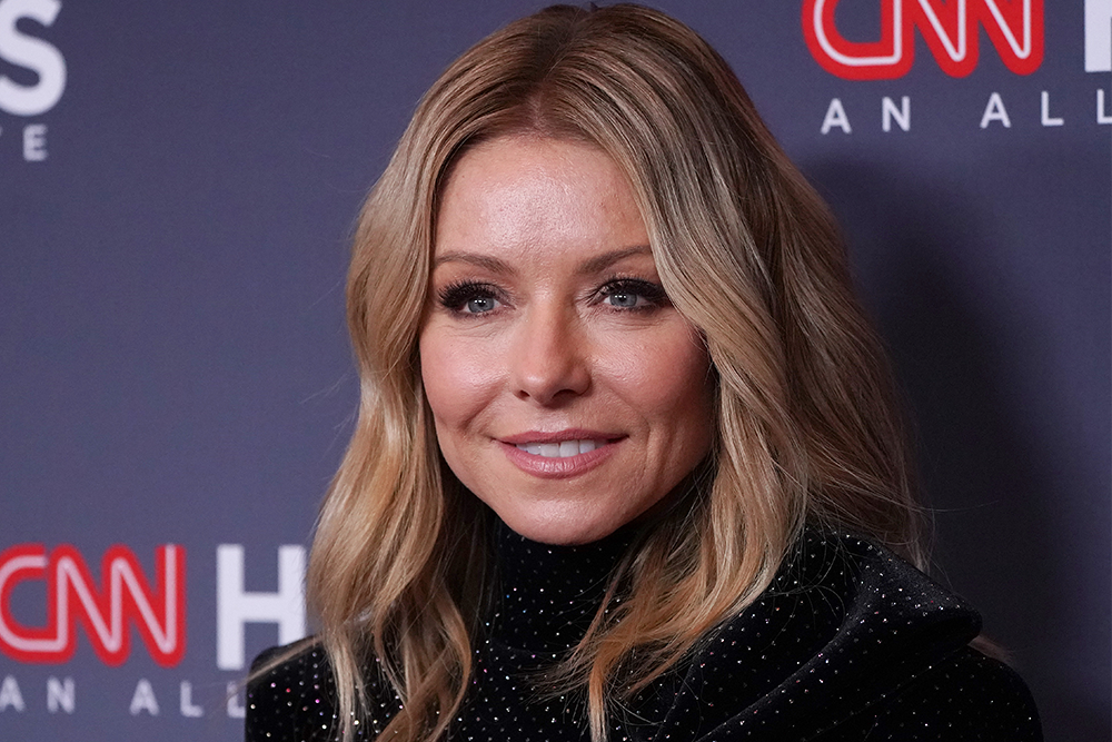 Kelly Ripa Reveals She 'Quit Drinking' Three Years Ago When Ryan Seacrest Became Co-Host featured image