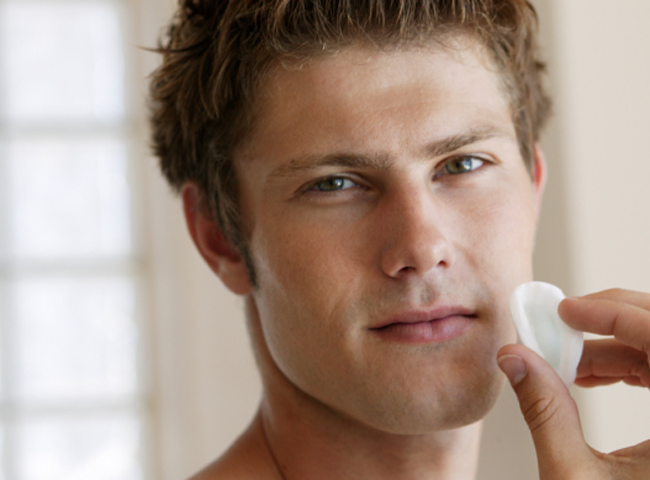 Korean Men Spend the Most on Skin Care and Makeup featured image