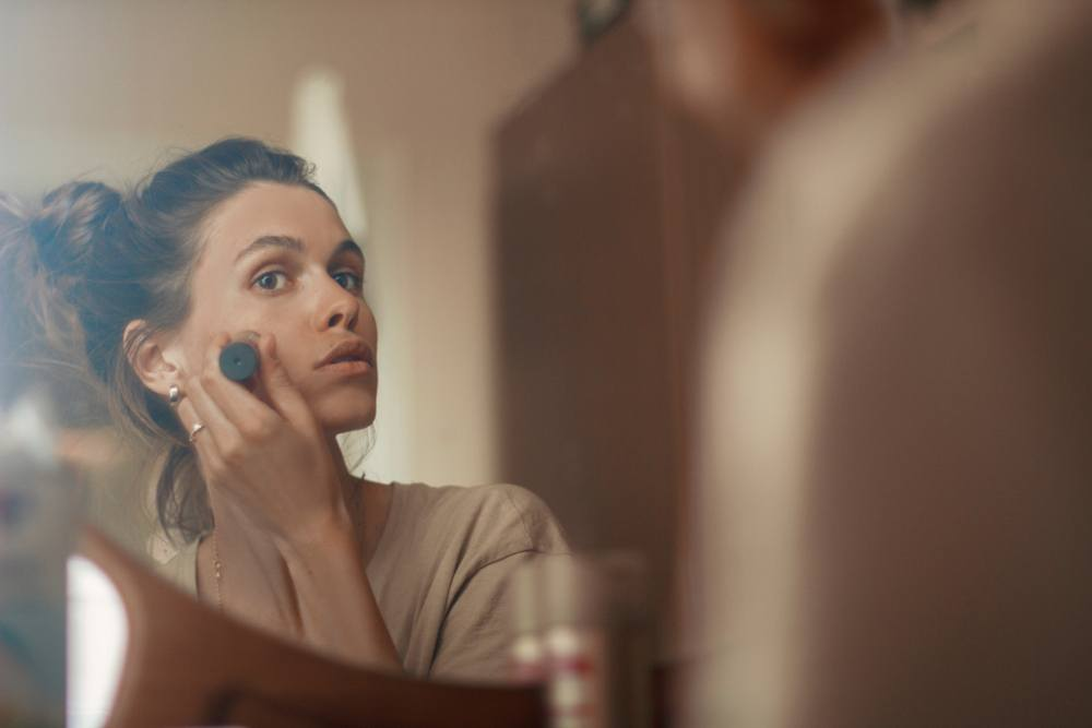 Is This Free, Pore-Tightening Trick the Secret to Flawless Foundation? featured image