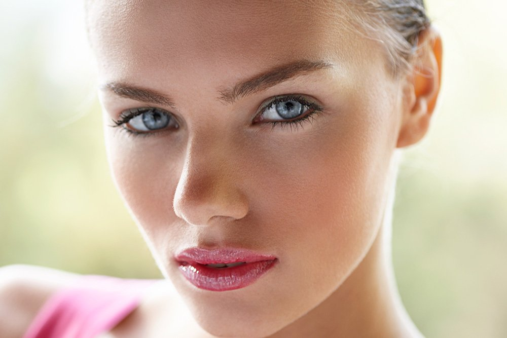 There's an Injection That Can Help You Grow Back Your Brows featured image