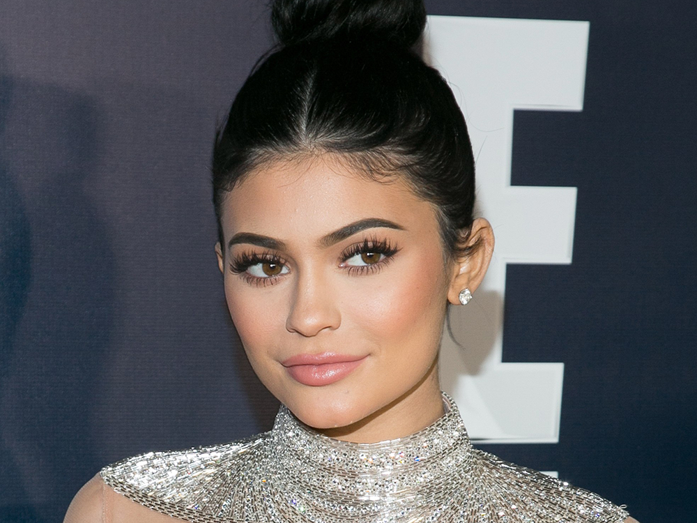 Kylie Jenner Goes Completely Makeup-Free and Looks Better Than Ever featured image