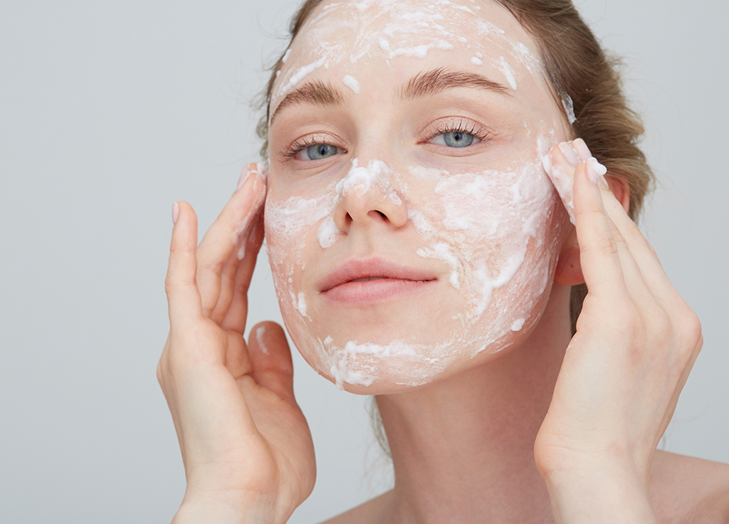 The Top 15 At-Home Peels for Every Skin Concern featured image