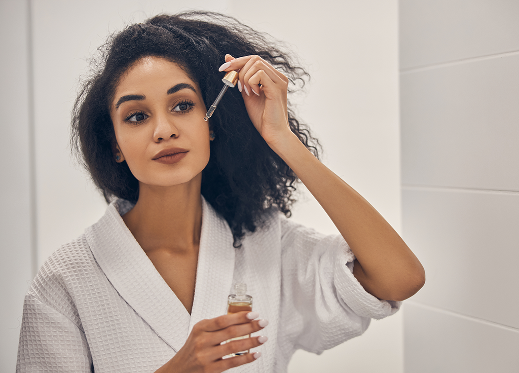 Here's What It Really Means When Your Vitamin C Serum Stinks featured image