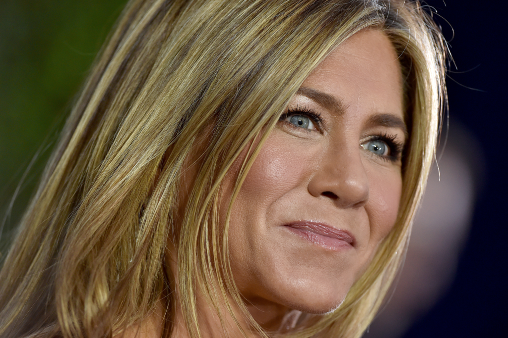 Jennifer Aniston Preps for the Emmys in the Most 2020 Way Possible featured image