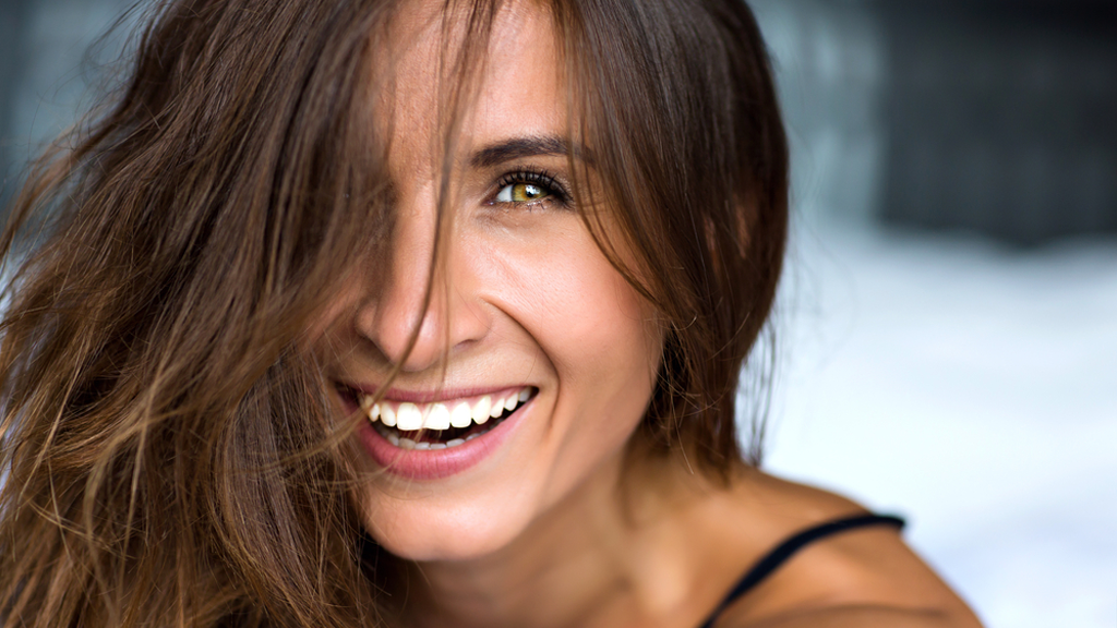 A Cosmetic Dentist Debunks the Most Common Misconceptions About Veneers featured image