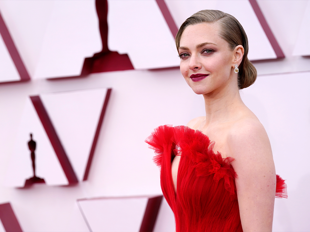Oscar Buzz: Amanda Seyfried's Gorgeous Lip Color That Hasn't Hit the Market Yet featured image
