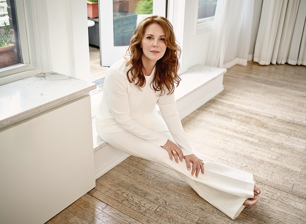 Elizabeth Perkins: 'I Love the Feeling of Freedom That Comes With Age' featured image